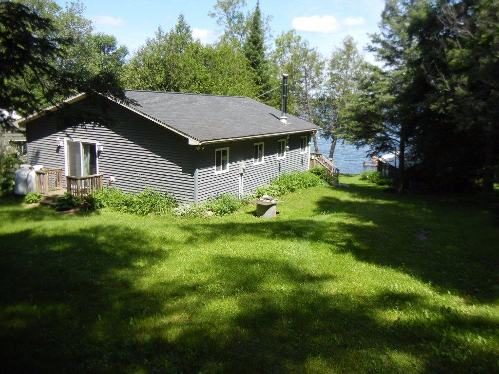 140 Couch`s Rd, North Kawartha Ontario, Canada