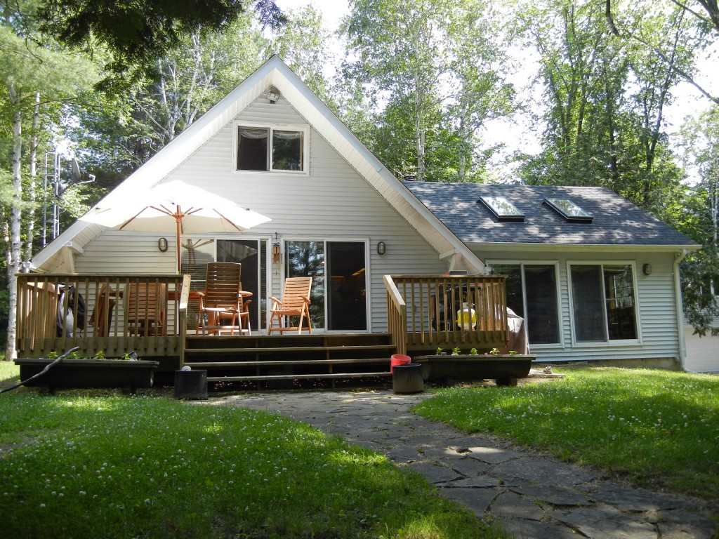 55 Narrows Rd, North Kawartha Ontario, Canada