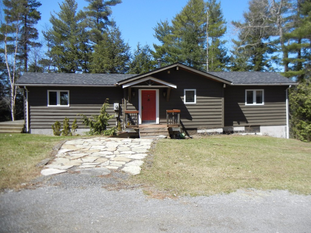 304 Couch`s Rd, North Kawartha Ontario, Canada