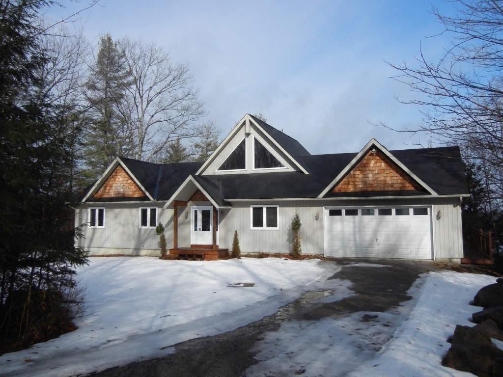 782 Standish Lane, North Kawartha Ontario, Canada